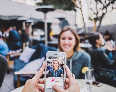Les smartphones délaissés au profit des «features phones»?