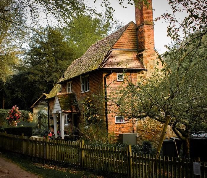 Maison style cottage : quels châssis choisir ?