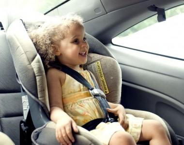 Les erreurs à ne pas faire lorsqu'on met bébé dans son siège auto