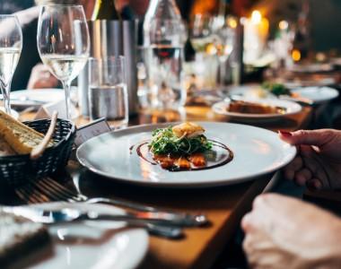 Apprendre l'importance du vin dans l'art culinaire