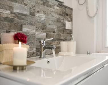 Comment détartrer les robinets de ma salle de bain ?