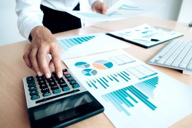 Choisir un expert du chiffre pour traiter ses comptes en Belgique