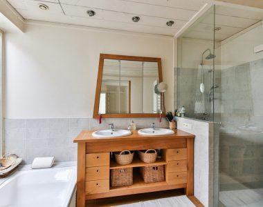 Comment bien choisir un artisan pour rénover sa salle de bains?